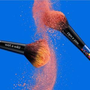 🍒BNIP🍒 Wet N Wild x Pac-man Brush Set